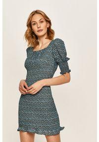 Niebieska sukienka ANSWEAR mini, dopasowana, z krótkim rękawem
