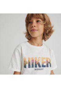 Reserved - Melanżowy t-shirt z nadrukiem - Kremowy. Kolor: kremowy. Wzór: melanż, nadruk