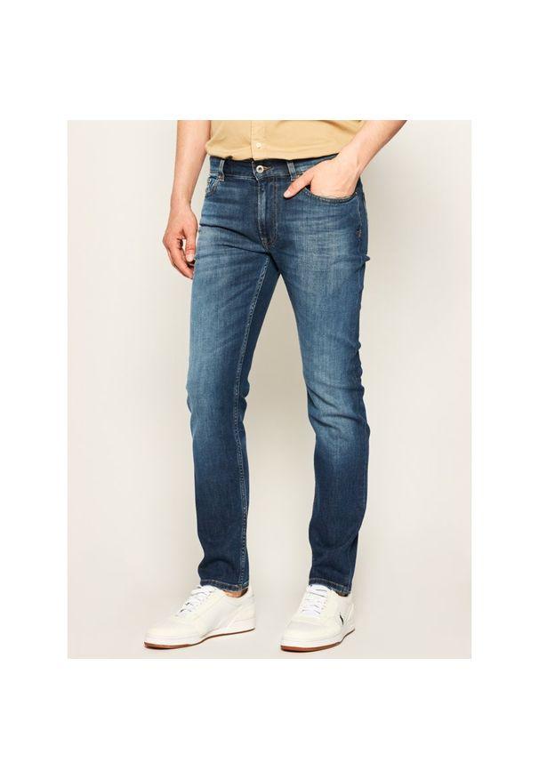 Niebieskie jeansy Lacoste