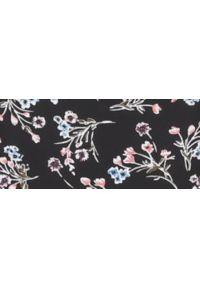TOP SECRET - Bluzka długi rękaw damska, cold shoulder, z wiązaniem, w kwiaty. Okazja: na co dzień. Kolor: czarny. Materiał: tkanina. Długość rękawa: długi rękaw. Długość: długie. Wzór: kwiaty. Sezon: zima, jesień. Styl: casual, elegancki