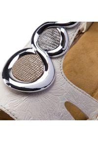 Białe sandały Rieker casualowe, na co dzień, z aplikacjami