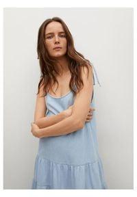 mango - Mango Sukienka letnia Delia 87069059 Niebieski Regular Fit. Kolor: niebieski. Sezon: lato