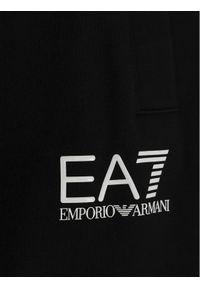 Czarne dresy EA7 Emporio Armani