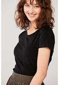 Marie Zélie - Bluzka Lorena czarna. Okazja: na co dzień. Kolor: czarny. Materiał: dzianina, materiał, bawełna, elastan. Długość rękawa: krótki rękaw. Długość: krótkie. Sezon: lato. Styl: casual, klasyczny