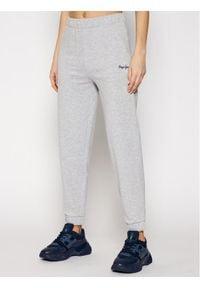 Pepe Jeans Spodnie dresowe Chantal PL211455 Szary Regular Fit. Kolor: szary. Materiał: dresówka