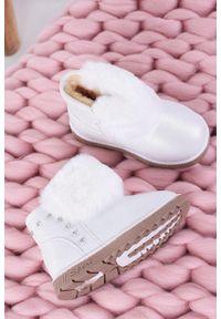 Białe botki Casu