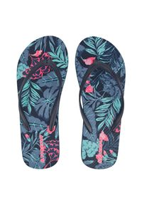 Klapki damskie Firefly Madera D10 302923. Okazja: na co dzień, na spacer, na plażę. Materiał: skóra, materiał, guma. Wzór: paski, kolorowy. Sezon: lato. Styl: sportowy, wakacyjny, casual