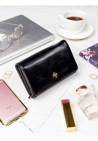 Czarny portfel MILANO DESIGN w kolorowe wzory