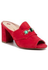 Czerwone klapki Maccioni