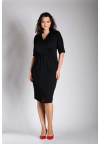 Czarna sukienka wizytowa Nommo z dekoltem w serek, dla puszystych