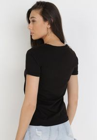 Born2be - Czarny T-shirt Theamishia. Kolor: czarny