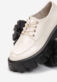 Born2be - Beżowe Półbuty Phiniopis. Wysokość cholewki: przed kostkę. Nosek buta: okrągły. Zapięcie: sznurówki. Kolor: beżowy. Materiał: dzianina. Szerokość cholewki: normalna. Obcas: na platformie