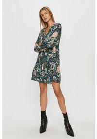 Miętowa sukienka Haily's mini, prosta, z długim rękawem, casualowa