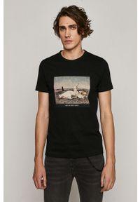 Czarny t-shirt medicine na lato, z nadrukiem