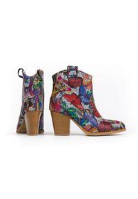 Zapato - kowbojki na obcasie - skóra naturalna - model 471 - kolor motyl. Materiał: skóra. Obcas: na obcasie. Wysokość obcasa: średni