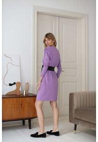 Nommo - Dzianinowa Midi Sukienka z Zakładką - Fioletowa. Kolor: fioletowy. Materiał: dzianina. Długość: midi