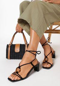 Born2be - Czarne Sandały Avameda. Nosek buta: otwarty. Kolor: czarny. Materiał: len. Wzór: jednolity. Obcas: na słupku. Styl: elegancki