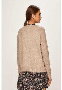 only - Only - Sweter. Kolor: beżowy. Materiał: dzianina, materiał. Długość rękawa: raglanowy rękaw. Wzór: gładki