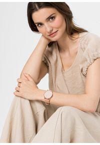 Zegarek na rękę bonprix beżowo-złoty kolor. Kolor: beżowy. Styl: elegancki