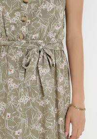 Born2be - Zielona Sukienka Chreirleiada. Kolor: zielony. Materiał: materiał. Długość rękawa: na ramiączkach. Wzór: kwiaty, ażurowy, aplikacja. Styl: klasyczny. Długość: maxi