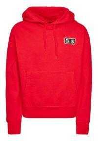 Czerwona bluza Element z motywem z bajki