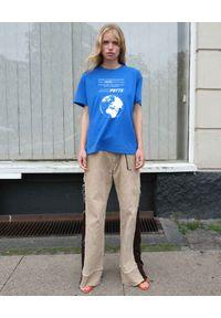 SAKS POTTS - Niebieska koszulka Tun. Kolor: niebieski. Materiał: bawełna. Wzór: nadruk, aplikacja