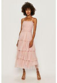 Różowa sukienka Miss Sixty rozkloszowana, z dekoltem karo