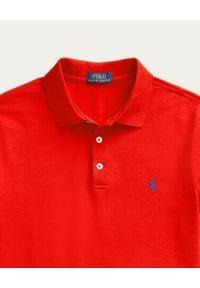 Ralph Lauren - RALPH LAUREN - Czerwona koszulka polo Stretch Slim Fit. Typ kołnierza: polo. Kolor: czerwony. Materiał: bawełna, prążkowany. Wzór: haft