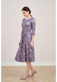Marie Zélie - Sukienka Emelina Flandria wrzosowa. Kolor: fioletowy. Materiał: wiskoza, dzianina, materiał, elastan, tkanina, guma. Styl: klasyczny. Długość: midi