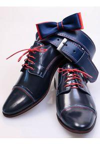 Faber - Granatowe buty wizytowe z czerwonymi wstawkami T36. Okazja: na co dzień. Zapięcie: sznurówki. Kolor: niebieski, wielokolorowy, czerwony. Materiał: skóra, tworzywo sztuczne. Styl: wizytowy