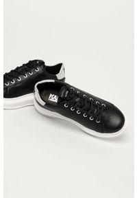 Czarne buty sportowe Karl Lagerfeld na obcasie, na średnim obcasie, z okrągłym noskiem, na sznurówki
