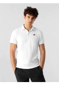 4f - Koszulka polo regular męska. Okazja: na co dzień. Typ kołnierza: polo. Kolor: biały. Materiał: dzianina, materiał. Styl: casual