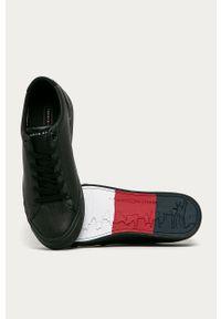 Czarne sneakersy TOMMY HILFIGER z okrągłym noskiem, na sznurówki