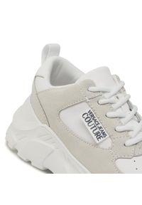 Versace Jeans Couture - Sneakersy VERSACE JEANS COUTURE - E0VWASC2 71955 003. Okazja: na spacer, na co dzień. Kolor: biały. Materiał: skóra ekologiczna, zamsz. Szerokość cholewki: normalna. Sezon: lato. Styl: casual