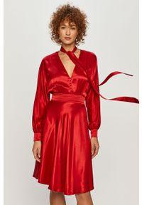 Czerwona sukienka TwinSet klasyczna, z długim rękawem