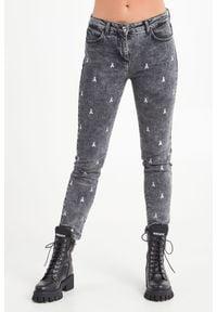 JEANSY Patrizia Pepe. Stan: podwyższony. Materiał: jeans. Styl: klasyczny
