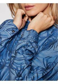 Guess Koszula jeansowa Betty W1GH30 D4D23 Niebieski Loose FIt. Kolor: niebieski. Materiał: jeans