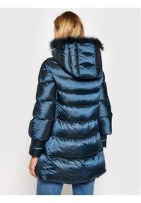 Niebieska kurtka puchowa Hetrego