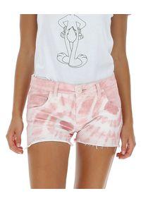 MOA Concept - MOA CONCEPT - Różowe spodenki tye-die. Kolor: biały. Materiał: bawełna