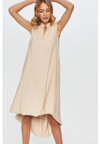Beżowa sukienka Answear Lab bez rękawów, na co dzień, wakacyjna, prosta