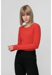 4f - Longsleeve damski. Kolor: czerwony. Materiał: dzianina, bawełna. Długość rękawa: długi rękaw