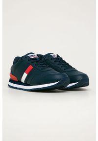 Niebieskie sneakersy Tommy Jeans z cholewką, na sznurówki