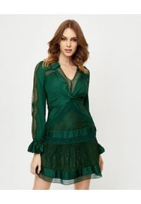 SELF PORTRAIT - Zielona sukienka z koronką. Kolor: zielony. Materiał: koronka. Długość rękawa: długi rękaw. Wzór: koronka. Typ sukienki: plisowane. Długość: mini
