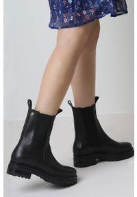 MEXX - Mexx - Sztyblety skórzane Hassina. Nosek buta: okrągły. Kolor: czarny. Materiał: skóra
