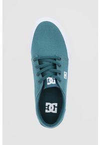 DC - Dc - Tenisówki. Nosek buta: okrągły. Zapięcie: sznurówki. Kolor: niebieski. Materiał: guma