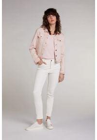 Kurtka jeansowa / katana Oui. Typ kołnierza: kołnierzyk klasyczny. Kolor: różowy. Materiał: jeans. Długość rękawa: długi rękaw. Długość: długie. Styl: klasyczny