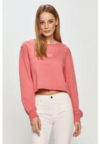 Tommy Jeans - Bluza bawełniana. Okazja: na co dzień. Kolor: różowy. Materiał: bawełna. Długość rękawa: długi rękaw. Długość: długie. Wzór: nadruk. Styl: casual