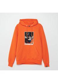 Pomarańczowa bluza Cropp z kapturem
