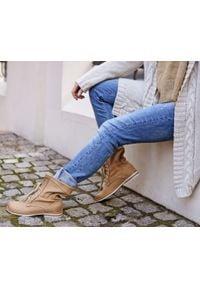 Zapato - dziurkowane botki za kostkę - skóra naturalna - model 428 - kolor camelowy. Okazja: na spacer. Wysokość cholewki: za kostkę. Materiał: skóra. Wzór: ażurowy. Styl: sportowy