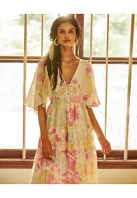 HEMANT & NANDITA - Wielokolorowa sukienka maxi. Kolor: różowy, fioletowy, wielokolorowy. Materiał: materiał. Sezon: lato. Długość: maxi